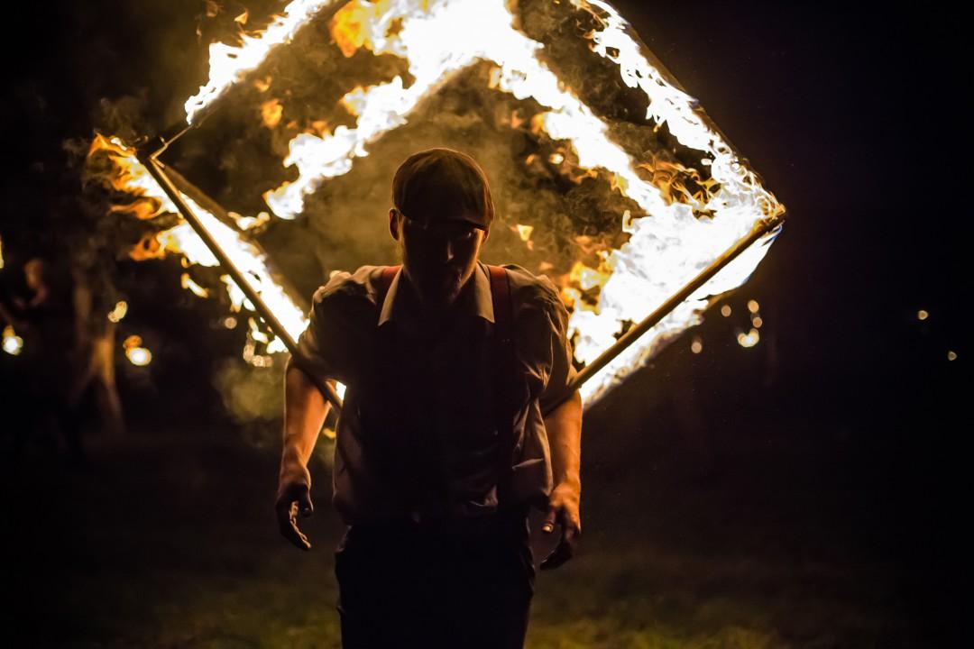 Taniec z ogniem na imprezy firmowe