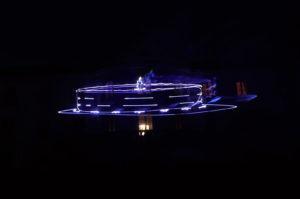 pokaz laserow
