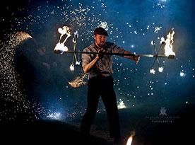 artystyczny taniec z ogniem